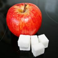 Würfelzucker gegen Apfel